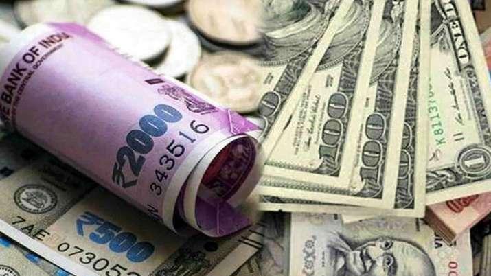 Rupee slumps 50 paise to 72.74 against US dollar after fresh coronavirus cases emerge- India TV Paisa