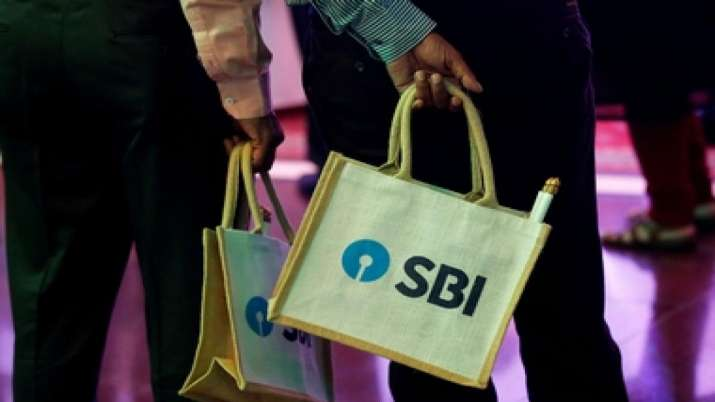 SBI Cards make weak debut at bourses; plunges over 10 pc- India TV Paisa