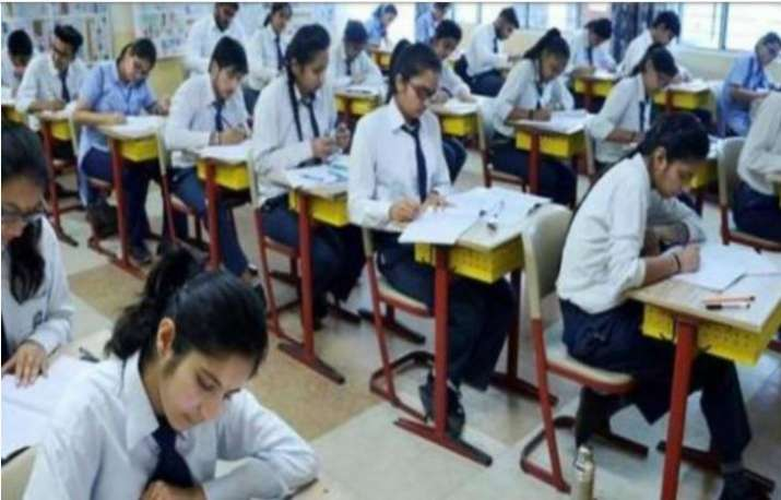 more than 3,000 students appeared in goa board's hssc...- India TV Hindi