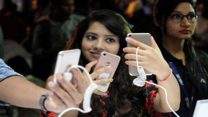 smartphones, - India TV Paisa