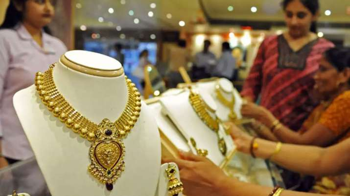 This Akshaya Tritiya, Shop From the Safety and Comfort of Home With Malabar Gold & Diamonds- India TV Paisa