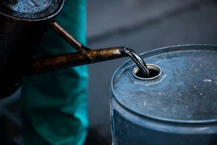 Crude oil prices fall - India TV Paisa