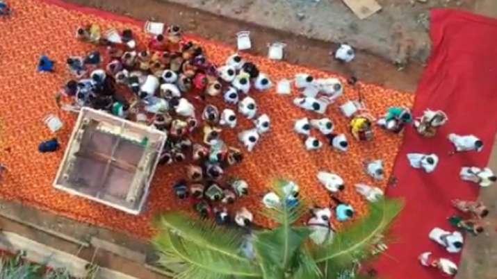 kumaraswamy son vvip wedding, social distancing violation