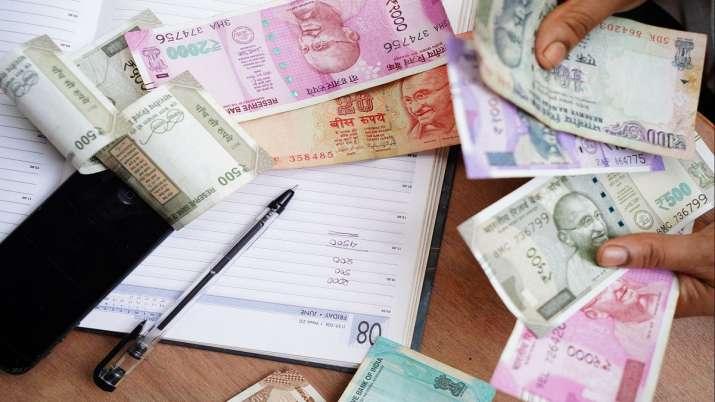 Rupee slips 21 paise to 75.85 against dollar- India TV Paisa