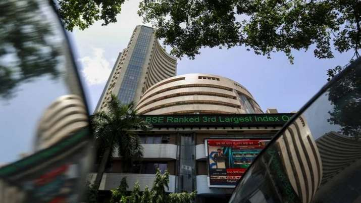 Airline, oil marketing stocks fall as crude prices surge- India TV Paisa