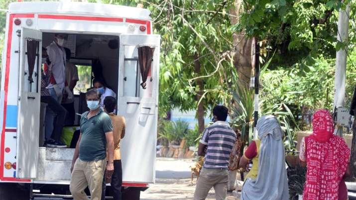 Photo of अहमदाबाद में Coronavirus के एक दिन में 349 नए मामले, संक्रमण ने ली 39 और लोगों की जान