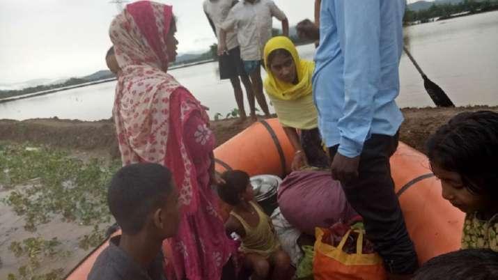 Photo of असम के सात जिले बाढ़ की चपेट में, करीब दो लाख लोग प्रभावित