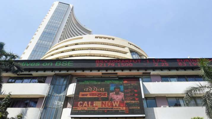 BSE, NSE cut annual listing fee for SMEs by 25 percent - India TV Paisa