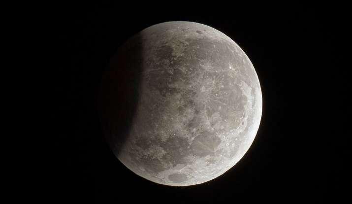 When is lunar eclipse in 2020: साल 2020 का दूसरा चंद्र ग्रहण 5-6 जून को होगा। इस ग्रहण का असर राशि क- India TV Hindi