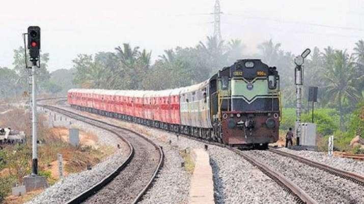 shramik special train- India TV Paisa