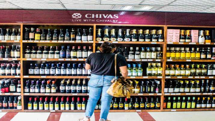 Uttar Pradesh Cabinet approves liquors sale in - India TV Hindi