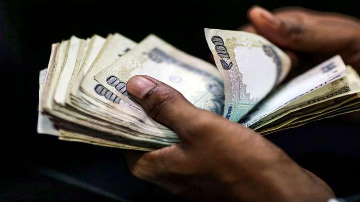 Photo of कर्जदार की मृत्यु होने पर क्या होता है कर्ज का, बैंक कैसे वसूलते हैं अपना पैसा जानिए यहां