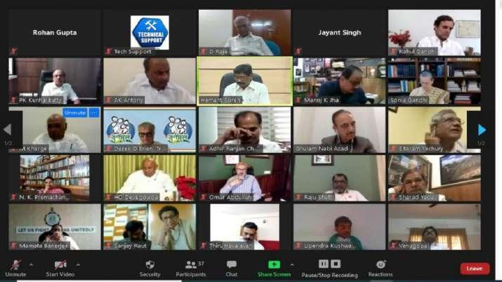 सोनिया गांधी की अध्यक्षता में विपक्षी दलों की बैठक में 22 दलों के नेता शामिल- India TV Hindi
