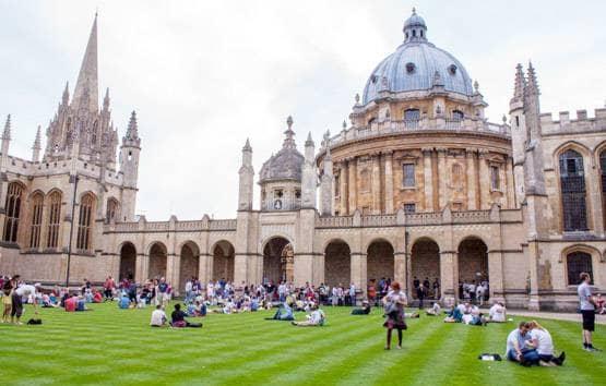 Oxford professor said on Corona package, free loan is...- India TV Hindi