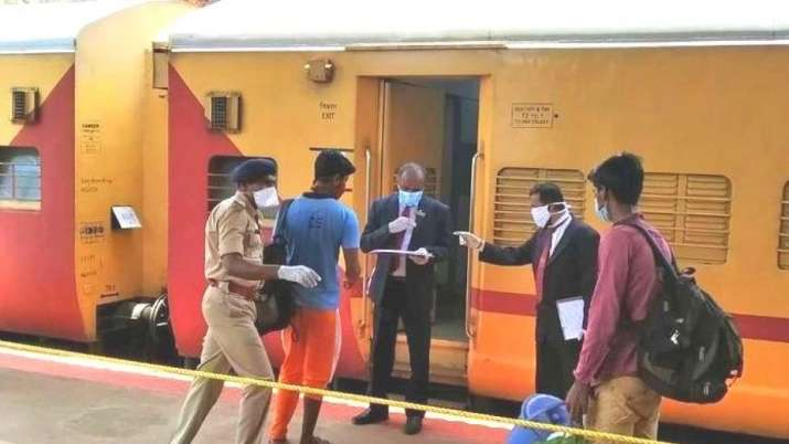 3,840 Shramik Special trains run since May 1, carried over 52 lakh migrant workers, says Rly Board C- India TV Paisa