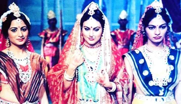 During the lockdown, Deepika Chikhaliya said- 'I was reborn, Deepika Chikhaliya has shared a throwba- India TV Hindi