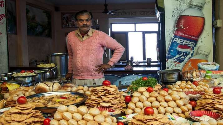 SBI said the total number of street vendors in india- India TV Paisa