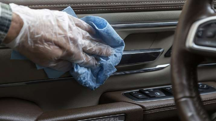 keep these essential items in the car due to...- India TV Paisa