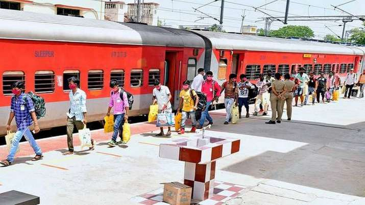 Maharashtra CM covid-19  fund receives Rs 342 cr in donations- India TV Paisa