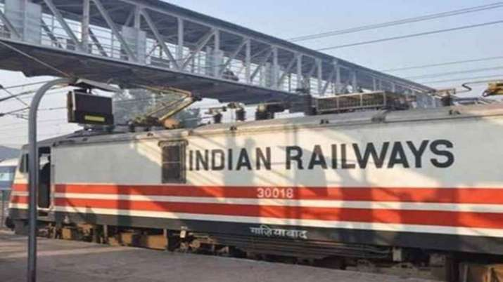 Railways mulls luring freight clients with discounts, cashbacks- India TV Paisa