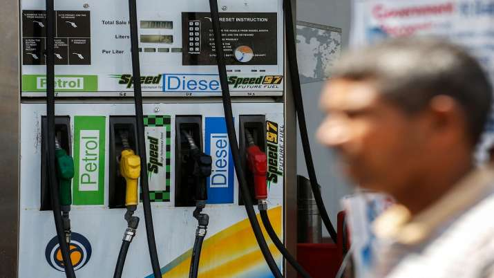 Petrol and diesel prices reaches new high, increase by Rs 0.20 and Rs 0.55 respectively today- India TV Paisa