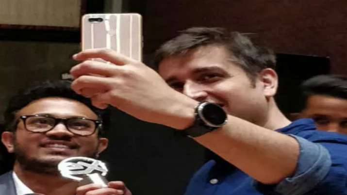 Realme eyes to sell 3 crore smart phones by 2020 end- India TV Paisa