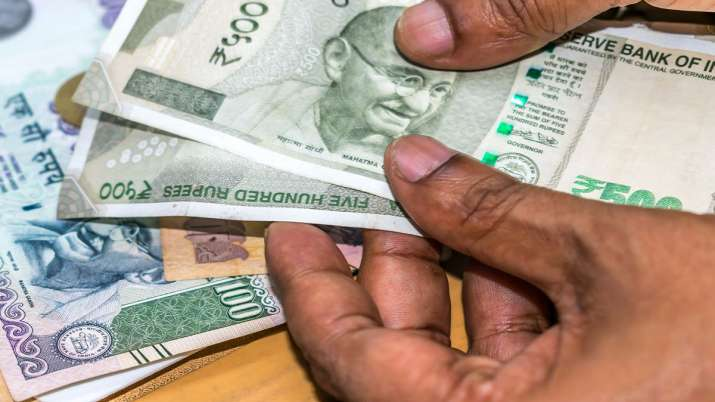 Rupee falls sharply against US dollar today, slides past 76 per USD- India TV Paisa