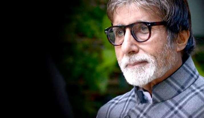 Photo of अमिताभ बच्चन ने फैंस के लिए शेयर की थी कविता, 'वक्त ही तो है.. गुज़र जाएगा'