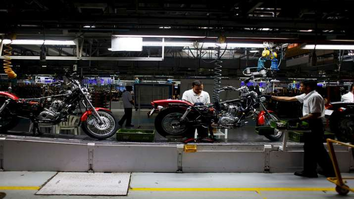 COVID-19: Workers at Bajaj Auto's Waluj plant seek temporary suspension of work- India TV Paisa