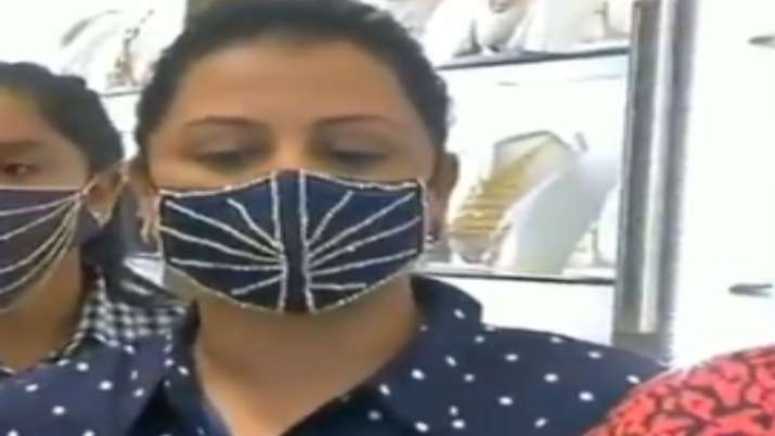 jewellery shop in Surat is selling diamond-studded masks ranging between 1.5 lakhs to 4 lakhs- India TV Paisa