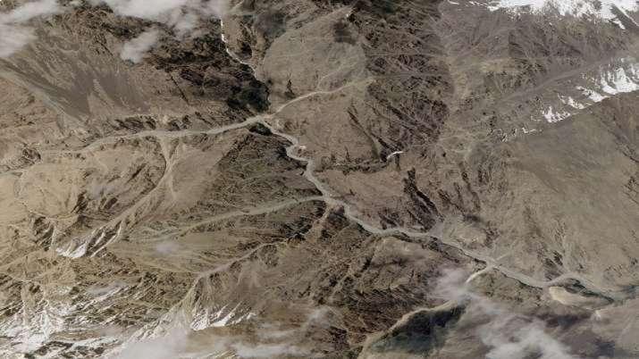 Photo of चीन गलवान घाटी से हटा या नहीं, रविवार को फिजिकल वेरिफिकेशन करेगी भारतीय सेना