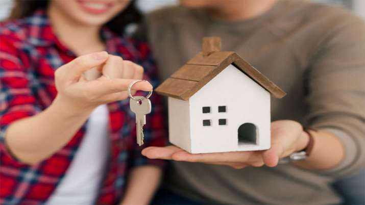 LIC Housing Finance reduces home loan rate to all-time low of 6.90 pc- India TV Paisa