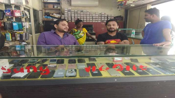 Ahmedabad Shopkeepers, Chinese gadgets - India TV Paisa