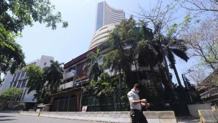 Sensex jumps over 200 pts in early trade; Nifty tops 10,800- India TV Paisa