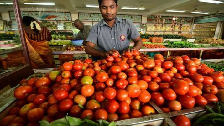 Tomato prices rise to Rs 60-70 per kg in most cities- India TV Paisa