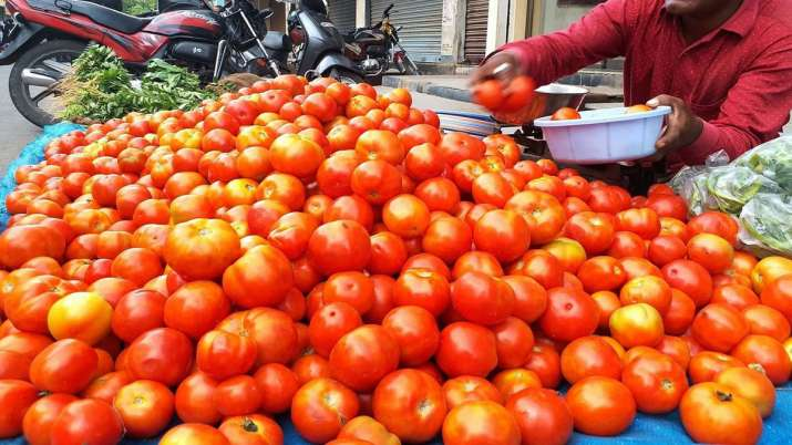 Tomato prices skyrocket to Rs 80 per kg in Delhi-NCR- India TV Paisa