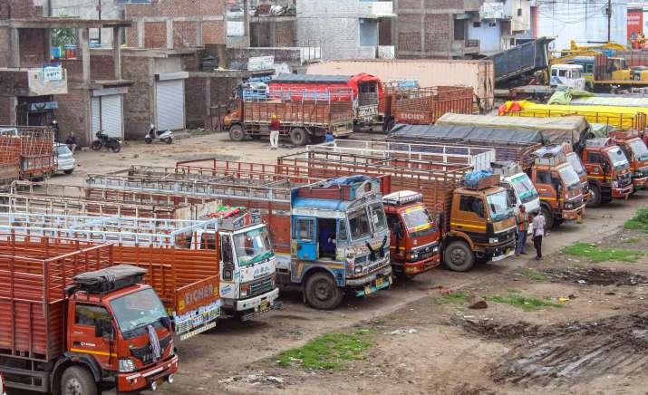 व्यापारी और...- India TV Paisa