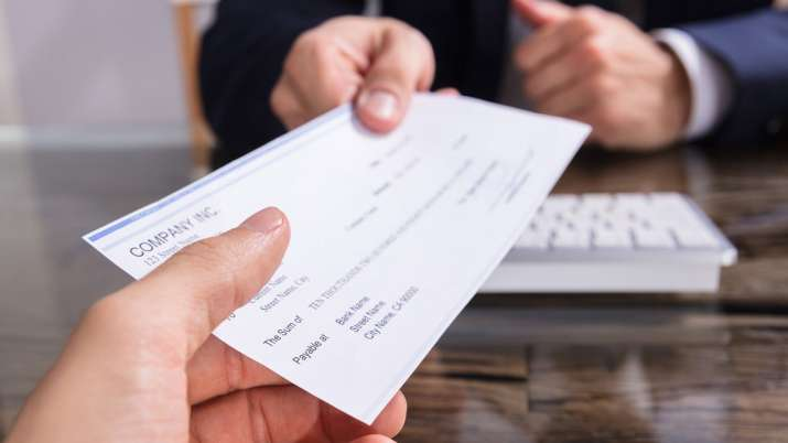 RBI announces positive pay feature to help avert cheque frauds- India TV Paisa