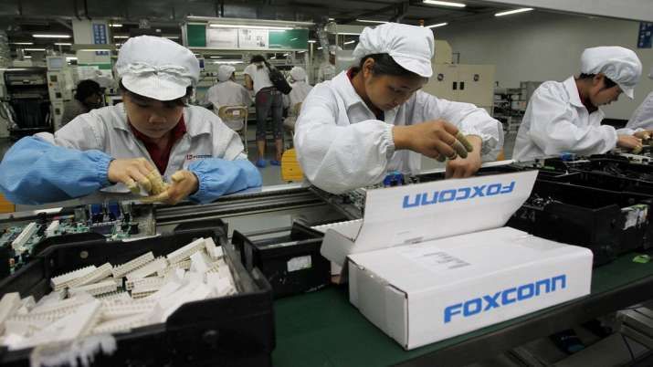 Foxconn Reportedly Begins Seasonal Hiring Spree for iPhone 12 Production- India TV Paisa