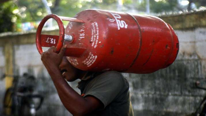 No Change in LPG Cylinder Price for August- India TV Paisa