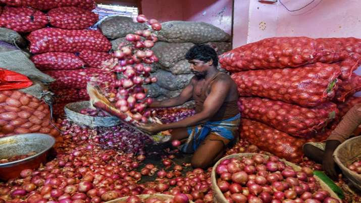 Nafed procures 95,000 tonnes of onion to create buffer stock- India TV Paisa