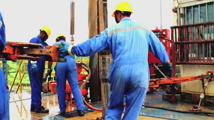 OIL logs Rs 249 cr loss in Q1 on slump in oil prices- India TV Paisa