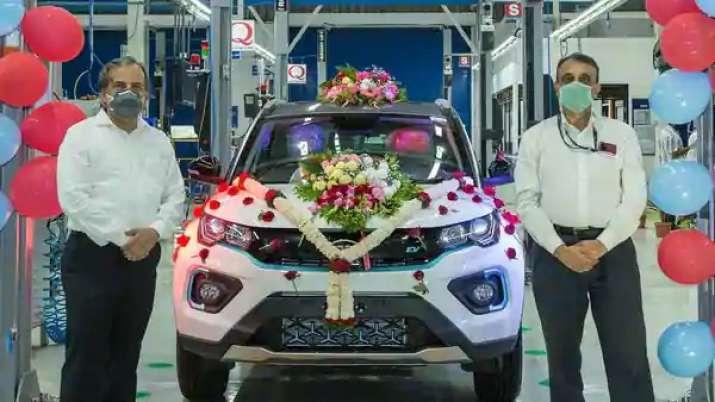 Tata Motors rolls out 1000th Nexon EV - India TV Paisa