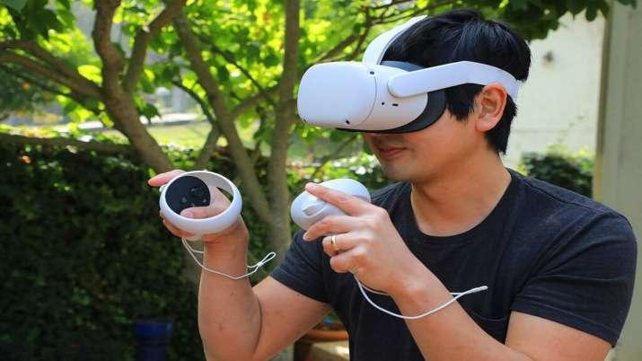 Facebook unveils next gen VR headset Oculus Quest 2- India TV Paisa