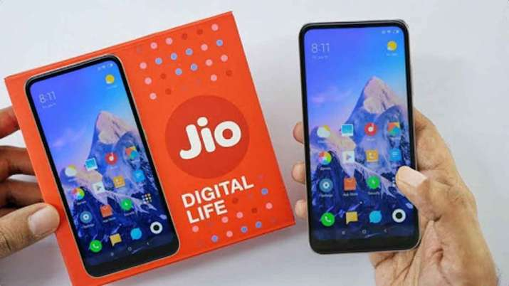 Reliance Jio will brings Rs 4,000 smartphone, Ambani plans to dominate telecom market- India TV Paisa