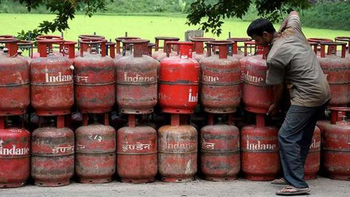 LPG Price : Cooking Gas Prices Nearly Unchanged This Month- India TV Paisa