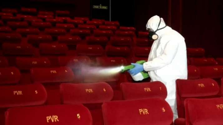 15 अक्टूबर से सिनेमाघर, थियेटर, मल्टीप्लेक्स 50 प्रतिशत सीटों की क्षमता के साथ खोले जाएंगे- India TV Paisa