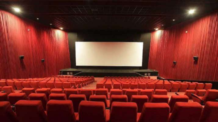 2999 रुपये में ऐसे बुक करें पूरा थिएटर, ऑन-डिमांड देखें कोई भी फिल्म- India TV Paisa