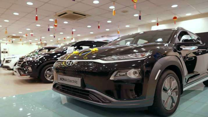Electric vehicles to become cheaper in Delhi- India TV Paisa