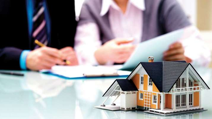 RBI to rationalise risk weightage on housing loans to push demand- India TV Paisa